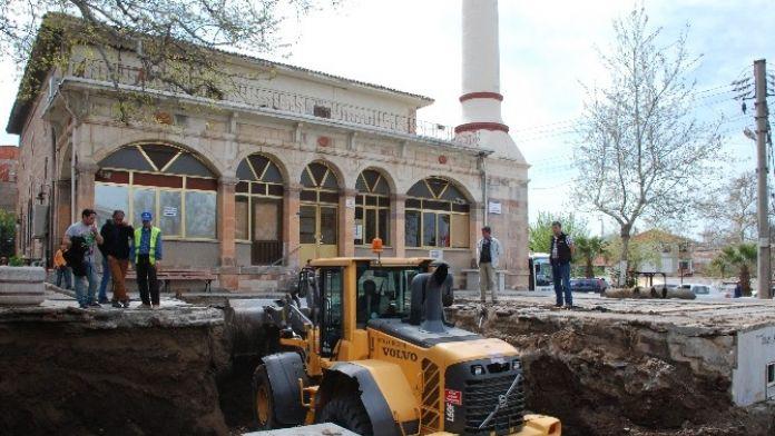 Merkez Çarşı Cami Çevre Düzenlemesi Başlatıldı