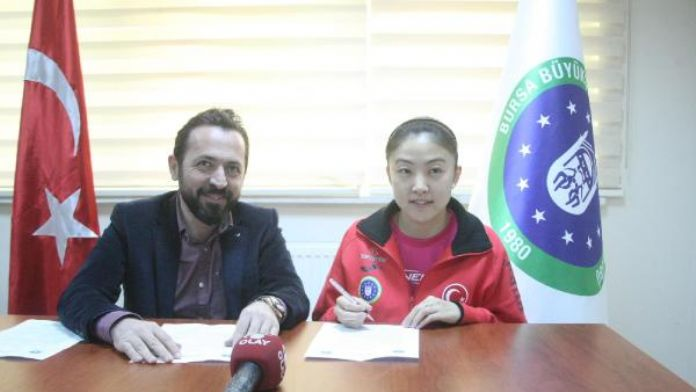 Bursa Büyükşehir masa tenisçisi Melek'in sözleşmesini uzattı