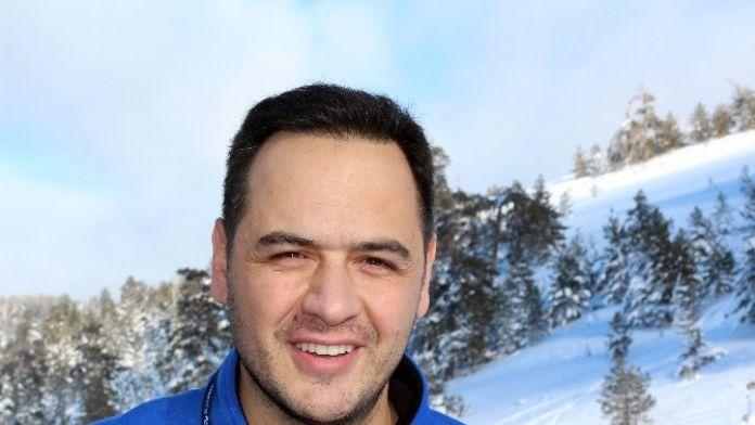 Op. Dr. Demirel: 'Kepçe Kulak Özgüveni Zedeliyor'