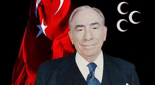 Eskişehir Ülkü Ocakları Türkeş'in Kabrini Ziyarete Gitti