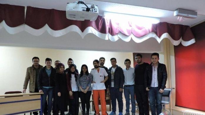 Pembe Kurdele Tiyatrosu Çavdarhisar'da