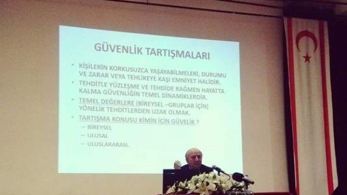 Doç. Dr. Özcan: 'İstihbarat Siyasileşmeden Siyaset Üretimine Hizmet Etmeli'