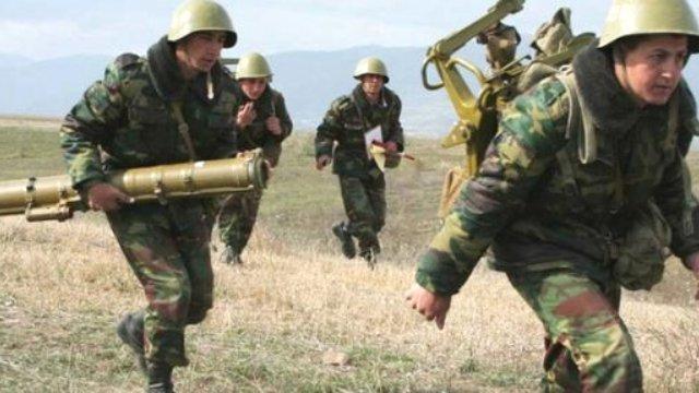 Azerbaycan Ermenistan'a Ait Karargahı Vurdu