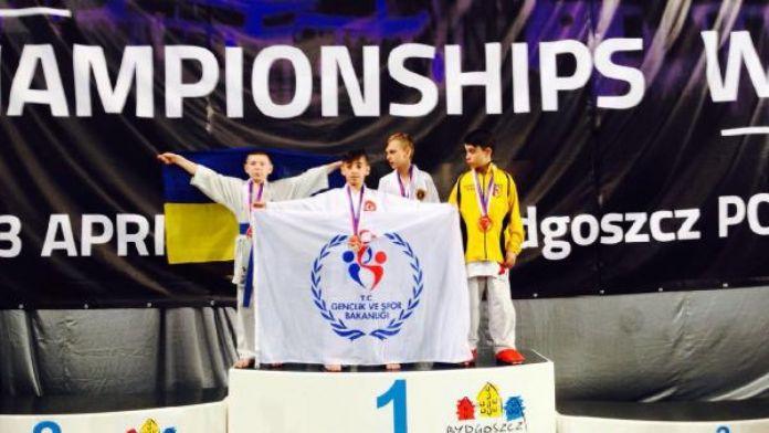 Dünya Shotokan Karate Şampiyonası'nda Hasan Celal Yıldırım'dan altın madalya