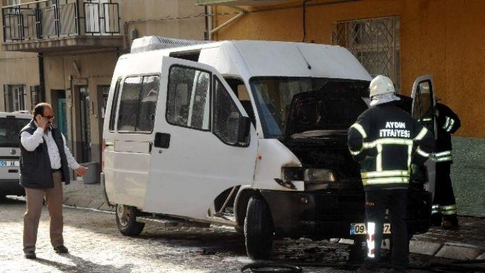 Aydın'da Şoförün Ekmek Teknesi Yandı