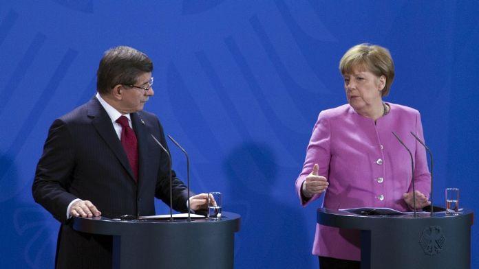 Merkel: O yayınlar hükümetimizin görüşünü yansıtmıyor