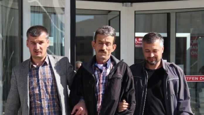 Karısını 20 Balta Darbesiyle Öldüren Koca: 'Hak Etmişti'