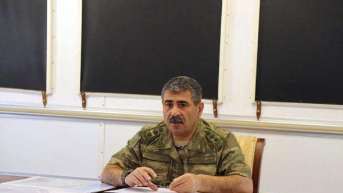 Azerbaycan Savunma Bakanı'ndan talimat: 'Yıkıcı darbeyi indirmeye hazır olun'