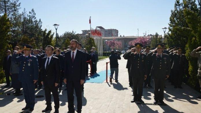 Diyarbakır'da, Atatürk'ün Fahri Hemşeriliği Kabul Edişinin 90'ıncı Yılı Kutlandı