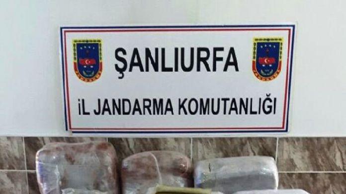 Şanlıurfa'da yolcu otobüsünde 58 kilo esrara 2 gözaltı