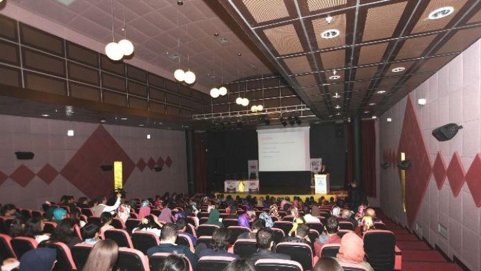 DÜ'de 'Akademik Kariyer İmkanları' Konferansı