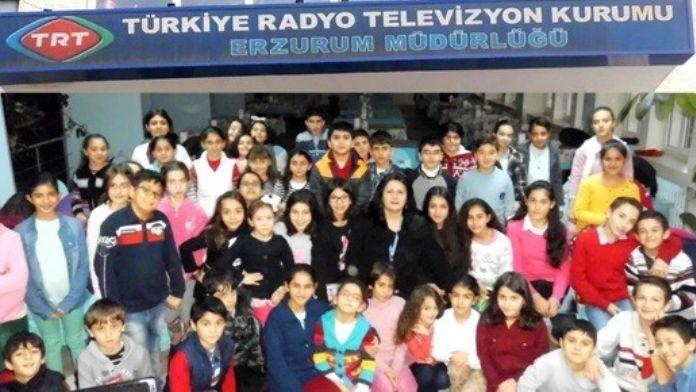 TRT Erzurum Müdürlüğü THM Çocuk Korosundan Bir Canlı Yayın Daha...