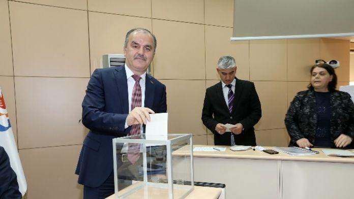 Pamukkale Belediye Meclisi'nde Seçim Heyecanı Yaşandı