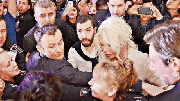 Ajda Pekkan'a Ankara'da İzdiham