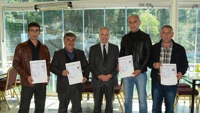 Başkan Acar 'Biyosidal Ürün Uygulayıcı Eğitimine' Katılan Belediye Personeline Sertifika Verdi