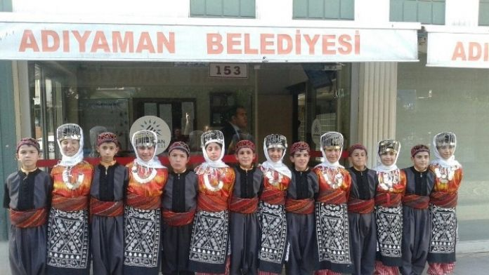 Adıyaman Belediyesi Halk Oyunları Ekibi Türkiye Finallerinde