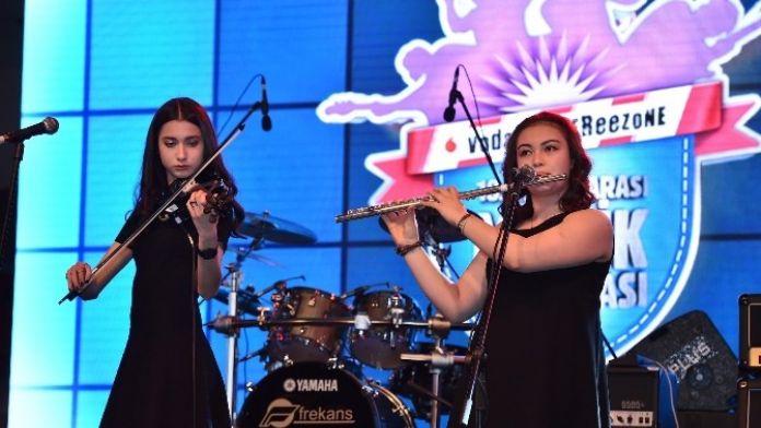 Aydın'dan 11 Lise İzmir'de Sahneye Çıkıyor