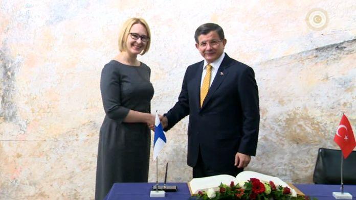Davutoğlu Fin Parlamento Başkanı'yla görüştü