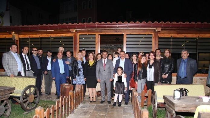 Başkan Tutal, Avukatlar İle Yemekte Buluştu