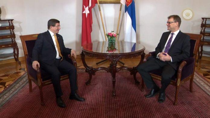 Başbakan Davutoğlu Fin mevkidaşıyla görüştü