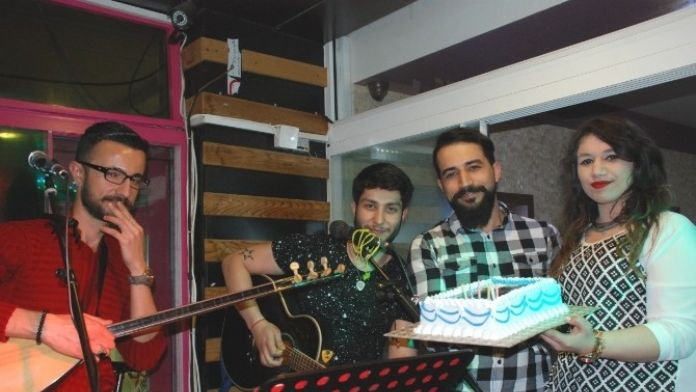 Müzisyene Patronundan Doğum Günü Jesti