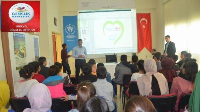 Öğrencilere TEOG Sınavı İçin Seminer Verildi