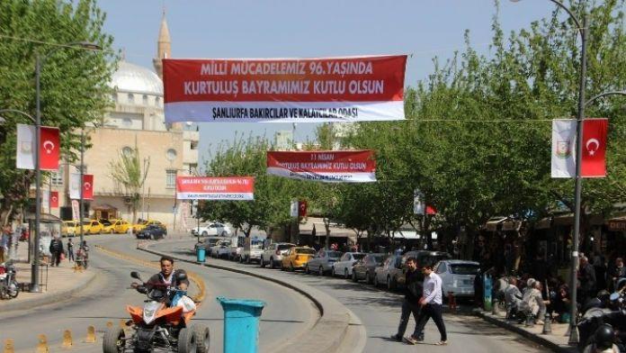 Şanlıurfa 11 Nisan Öncesi Bayraklarla Donatılıyor