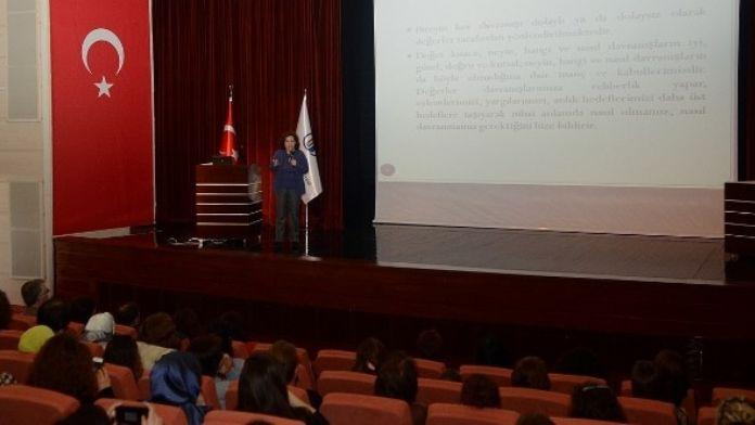 ESOGÜ'de '3. Okul Öncesi Eğitimde Güncel Konular' Konferansı