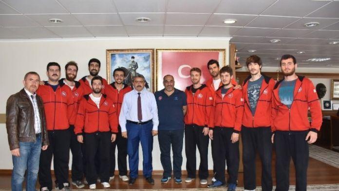 Başkan Alıcık'dan Aydın Sportif Basketbol Takımına Destek