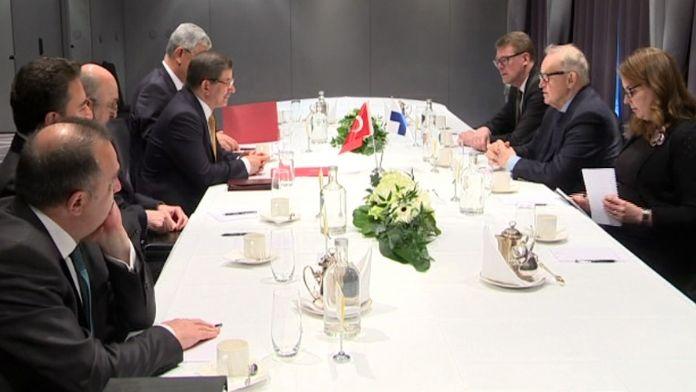 Eski Cumhurbaşkanı Ahtisaari'yle görüştü