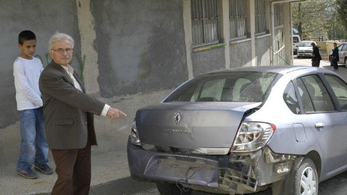 Arabasına çarptılar, dayak atıp kaçtılar