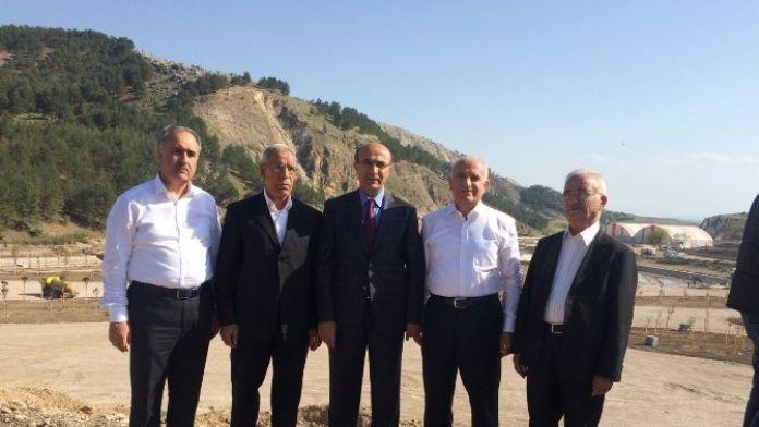 Vali Demirtaş, Vakıf Başkan Ve Üyelerine Beşpınar Vadisini Gezdirdi
