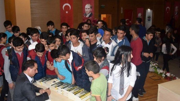 Dilovalı Öğrencilerden Kitap Etkinliğine Büyük İlgi