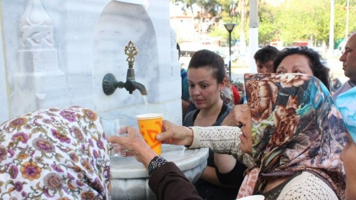 Nazilli'de Çeşmelerden Şerbet Aktı