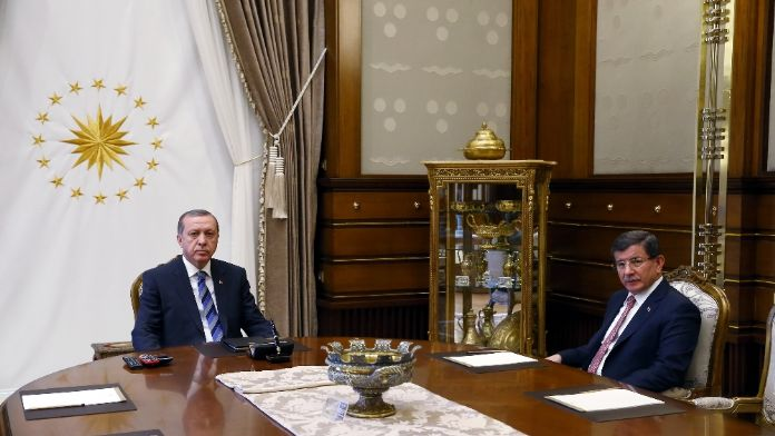 Başbakan Davutoğlu'nu kabul etti