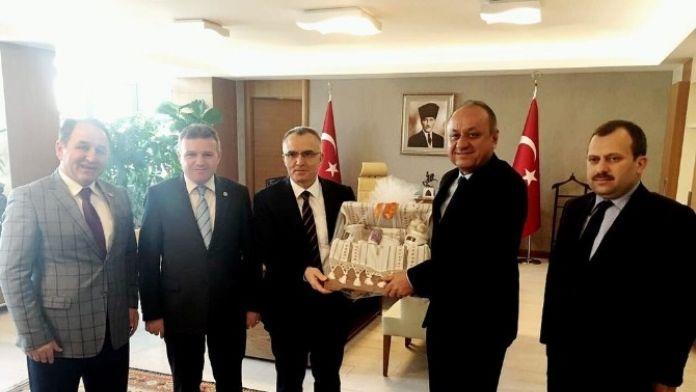 Kastamonu Milletvekilleri Bakan Ağbal'ı Ziyaret Etti