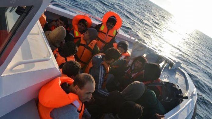 Ege Denizi'nde 23 bin göçmen kurtarıldı