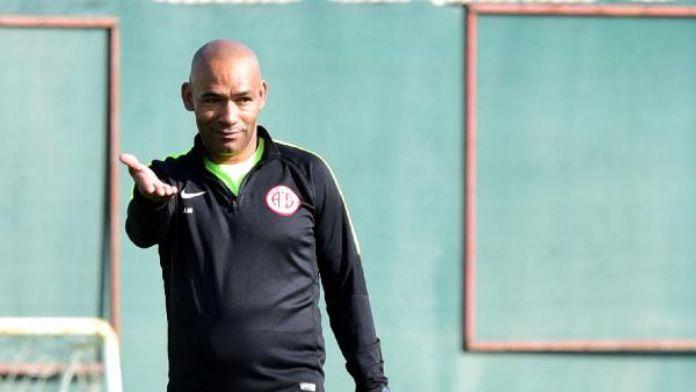 Antalyaspor teknik direktörü Morais: 'Burada mutluyum'