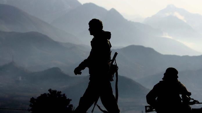 Bitlis'te 1 terörist öldürüldü, 2 terörist yakalandı
