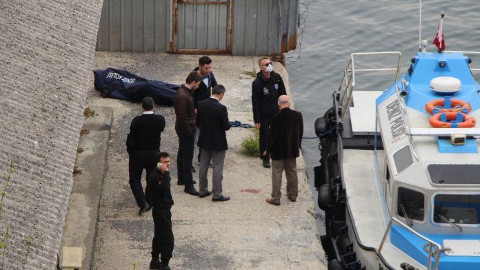 Haliç'te erkek cesedi bulundu