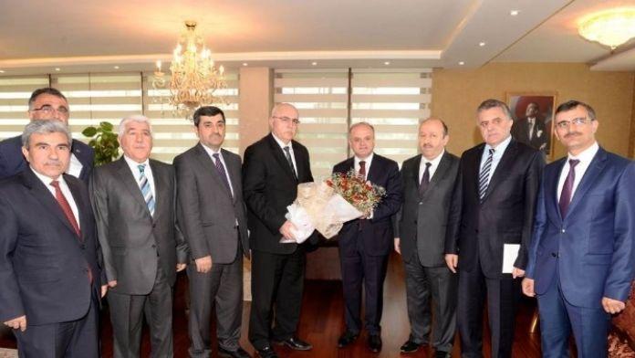 İl Müftüsü Melek'ten Vali Çakacak'a Kutlu Doğum Haftası Ziyareti