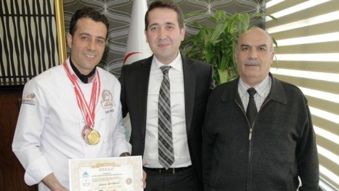 Vanlı Aşçı Şampiyonadan Birinci Geldi