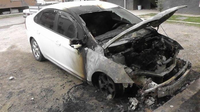 Kulu'da Otomobil Yandı