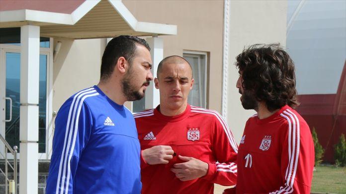 Medicana Sivasspor Teknik Direktörü Bakkal: