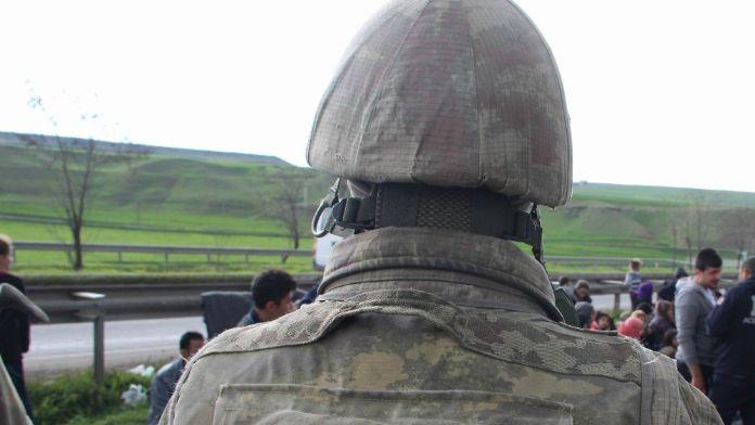 Van'da askeri araç devrildi: 13 asker yaralı