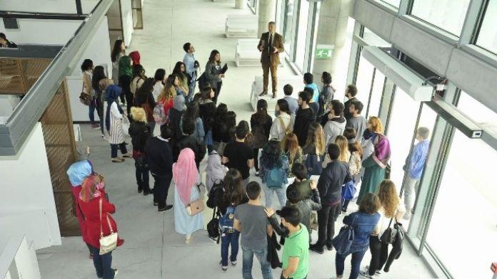 Üniversitelilerden Farkındalık Gezisi
