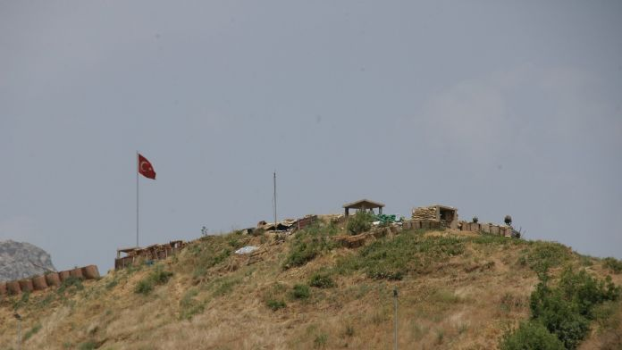 Hakkari'de sınır birliğine saldırı