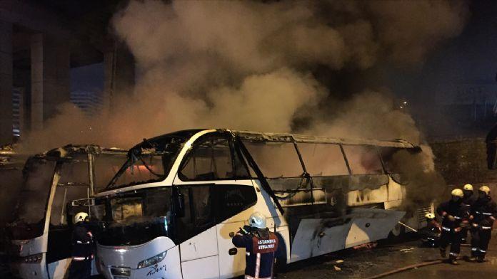 Büyük İstanbul Otogarı'nda otobüs yangını