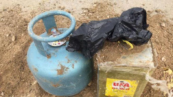 Van'da toprağa gömülü patlayıcı ve malzeme bulundu