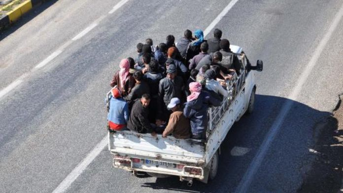 İslahiye'de kamyonette tehlikeli yolculuk